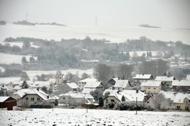 Blick auf Flacht im Winter